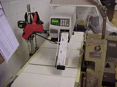 Label Dispenser DF-4 with Intermec F4 Printer at bakery in Sweden